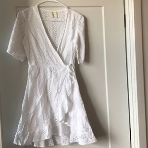 Dresses & Skirts - White eye lit wrap summer dress size small